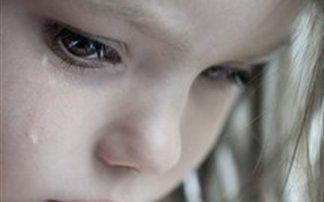 5χρονη έμεινε παράλυτη μετά από τροχαίο και οι γονείς της την παράτησαν!